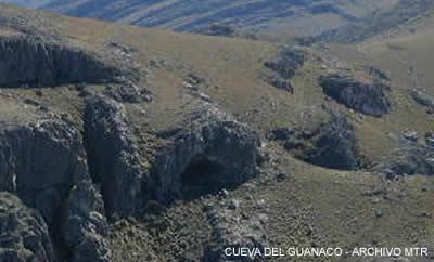 Cerro Tres Picos, Cueva del Guanaco