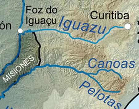 El río Iguazú está a 1.200 kilómetros de distancia. Especialmente en Serra do Mar en Curitiba, Brasil