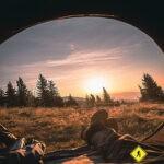 tienda de campaña o acampada